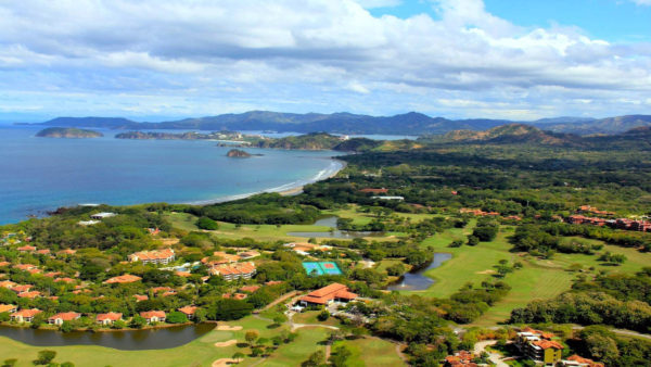 Oceanside golf course in Costa Rica